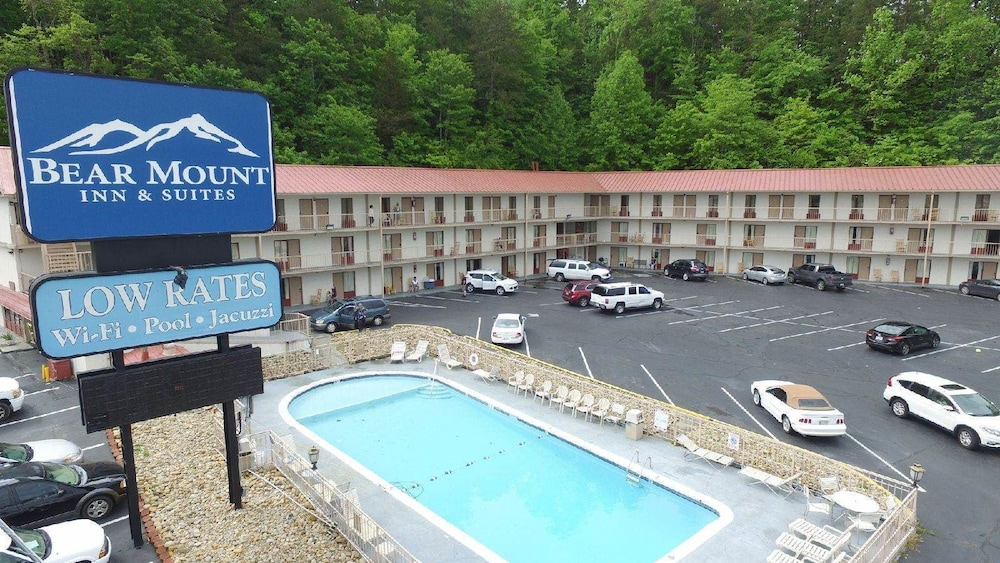 Bear Mount Inn & Suites