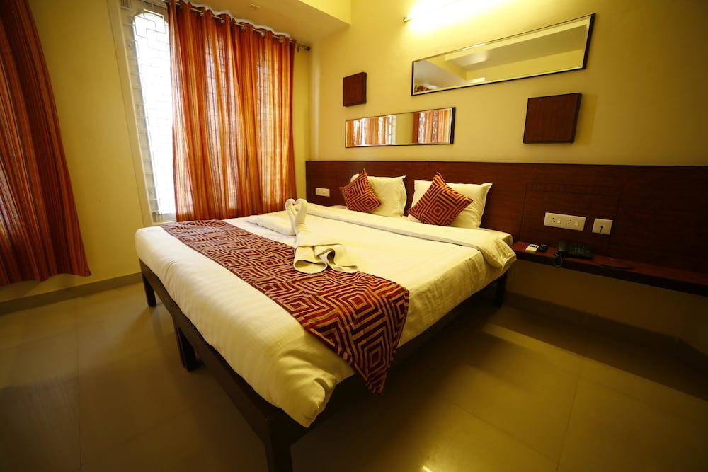 OYO 1456 Hotel Raj Classic Inn