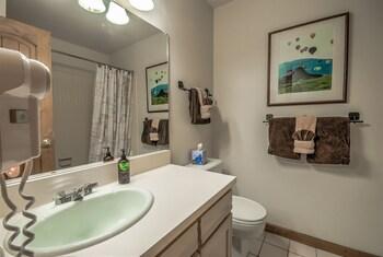 The West by Retreatia - Bathroom  - #0