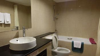 Grand Business Inn - Bathroom  - #0