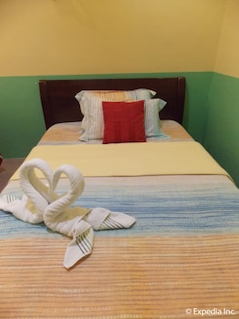Gt Seaside Inn Oslob Guestroom