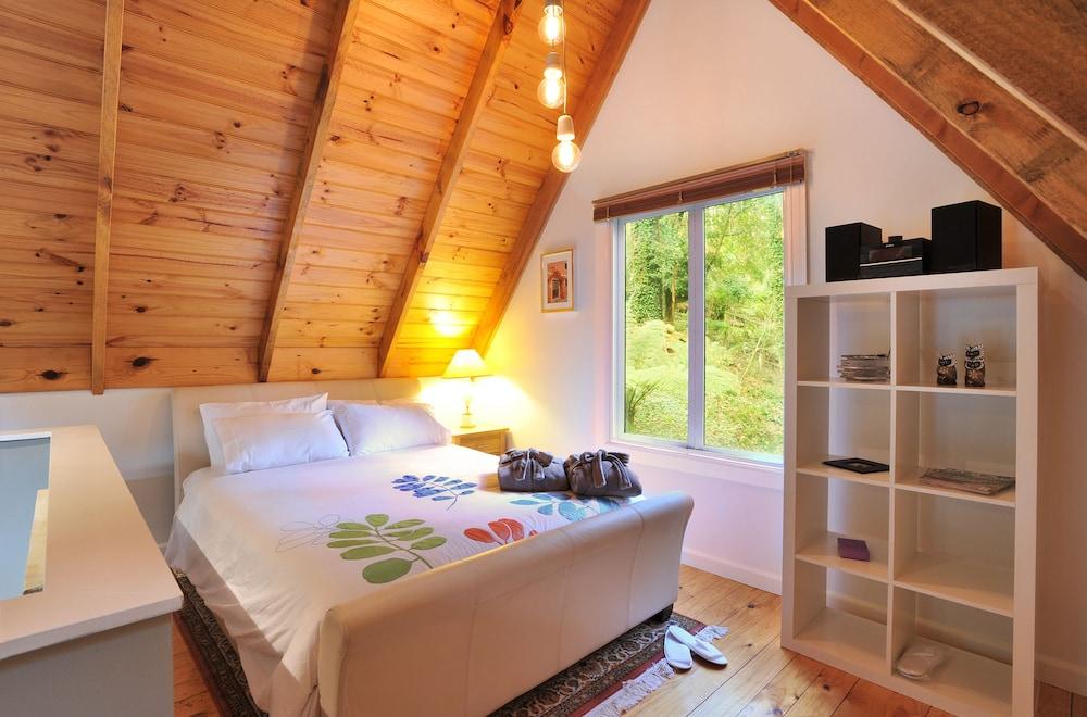 Santosa Cottage