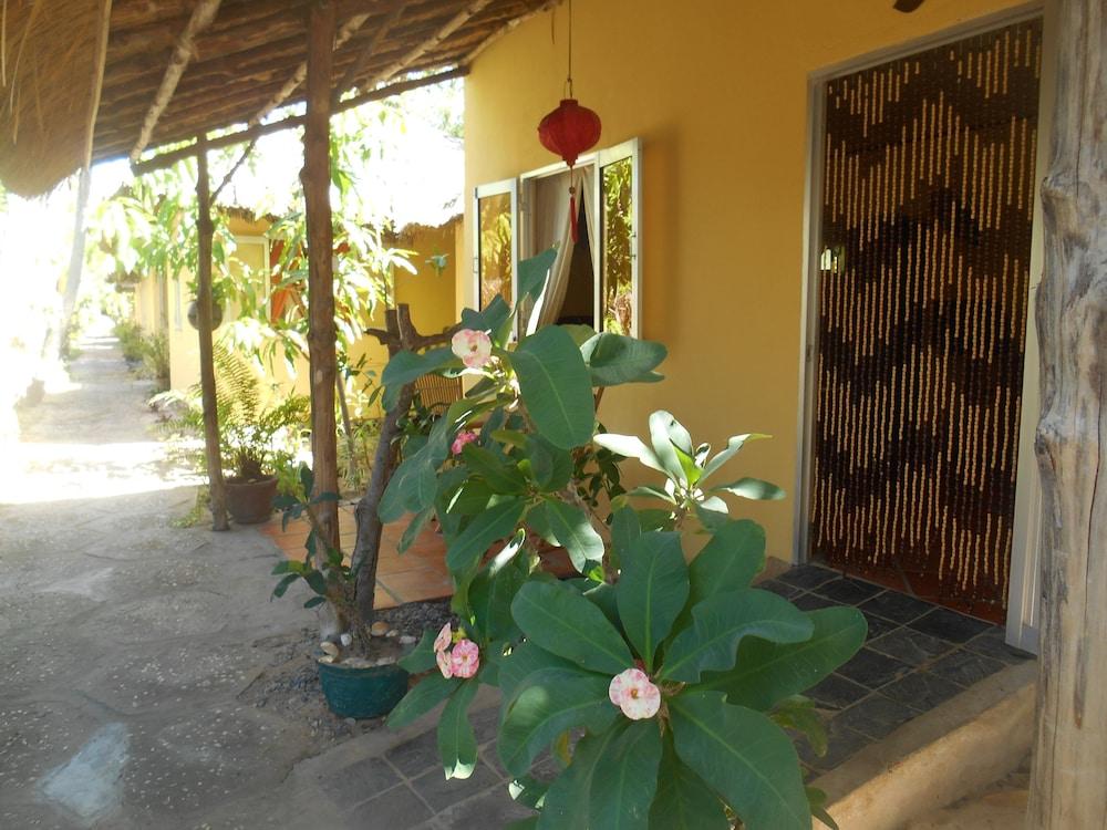 Thuy - Gunter Garden Bungalow