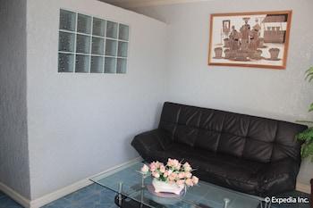 Blue Rock Beach Resort Zambales Living Area