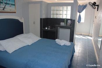 Blue Rock Beach Resort Zambales Guestroom