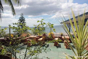 Blue Rock Beach Resort Zambales Terrace/Patio