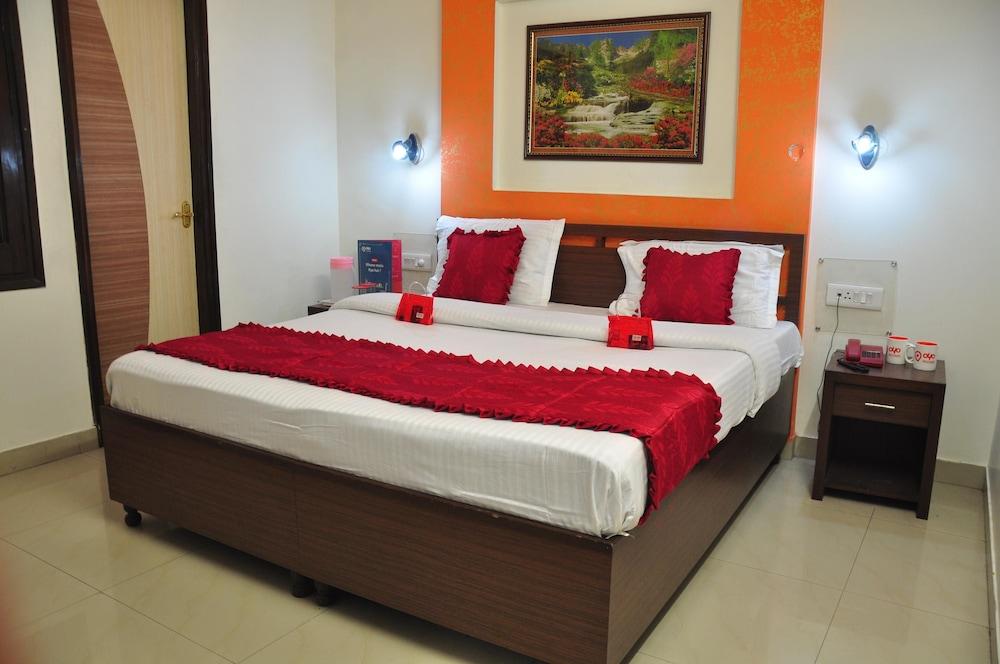 OYO 2042 Hotel New ss Residency