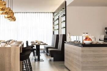 Maximilians Boutique-Hotel Landau - Breakfast Area  - #0