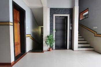 OYO 579 Hotel AAB Marathalli - Staircase  - #0