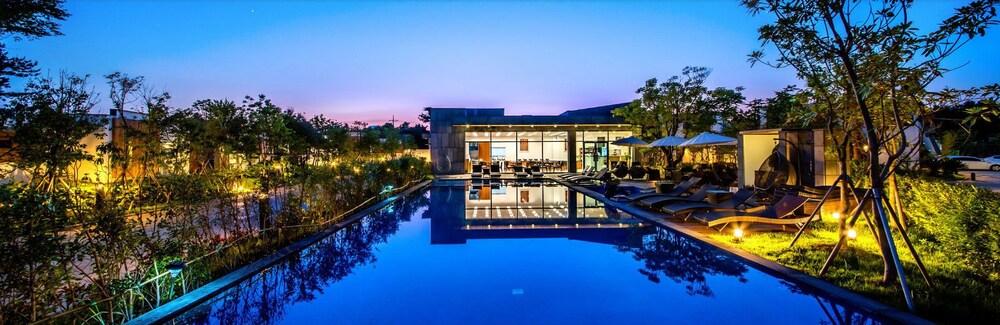 The Shimpang Spa & Pool Villa