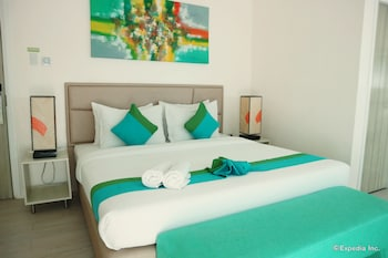 Lime Hotel Boracay Guestroom
