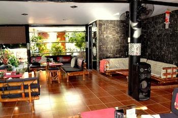 Micky Santoro Hotel & Restaurant Cebu Lobby