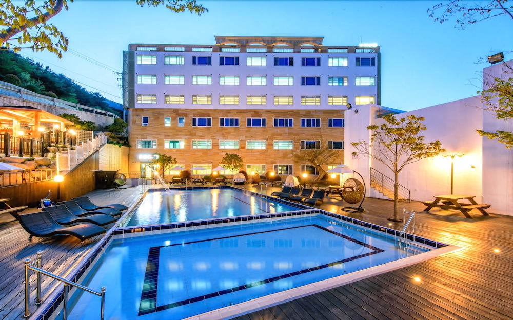 Doya Family Hotel