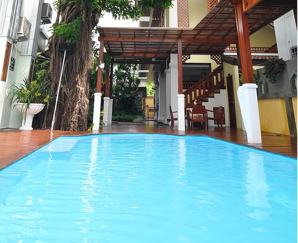 Sri-Pat Guesthouse