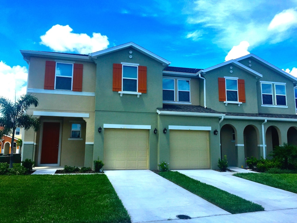 Townhomes by Florida Finesse Management