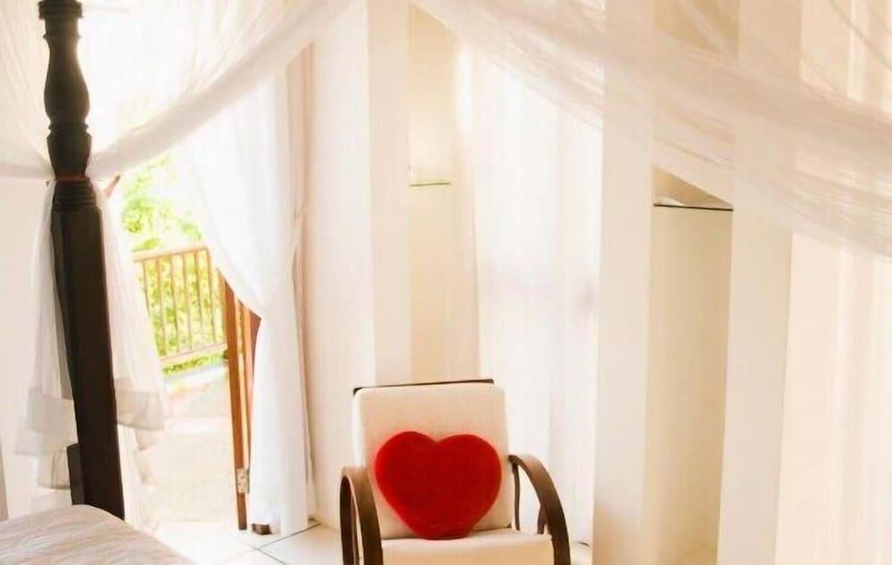 Villa Being - Tobago Luxury Bed and Breakfast