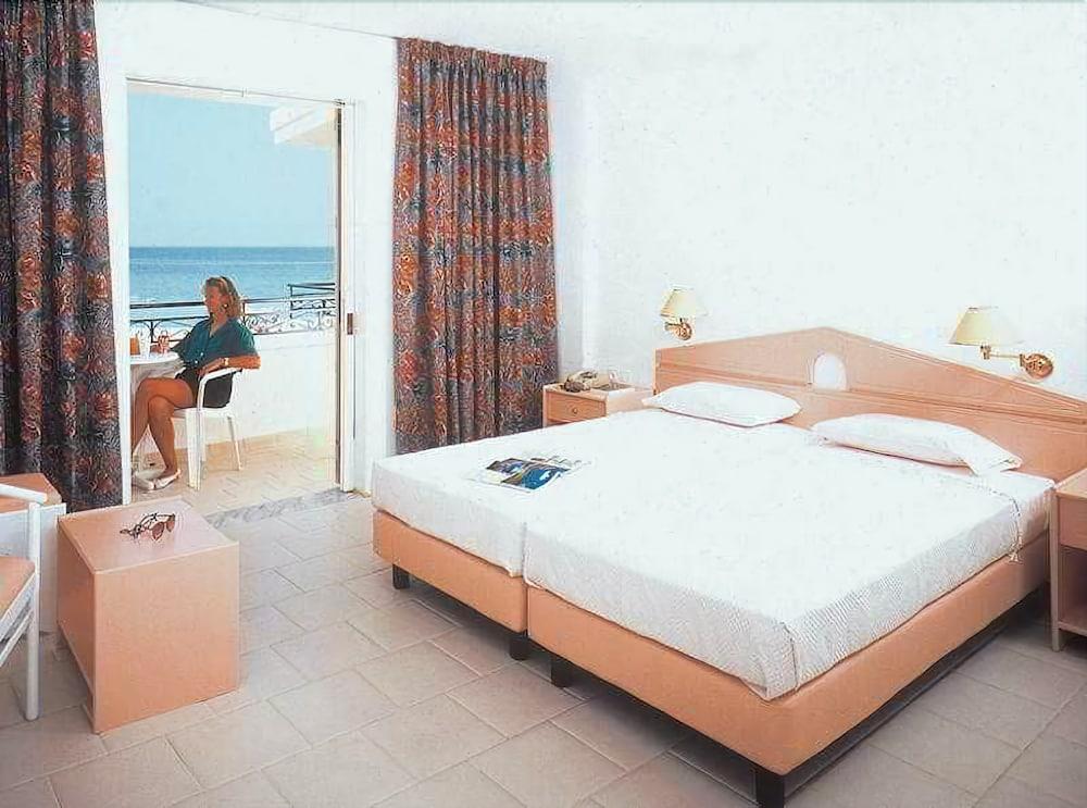 Beis Beach Hotel