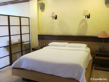 Hollywood Suites Bulacan Guestroom
