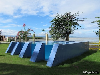 Hollywood Suites Bulacan Outdoor Pool