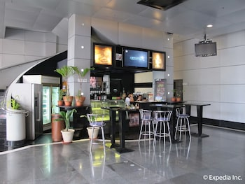 Hollywood Suites Bulacan Cafe