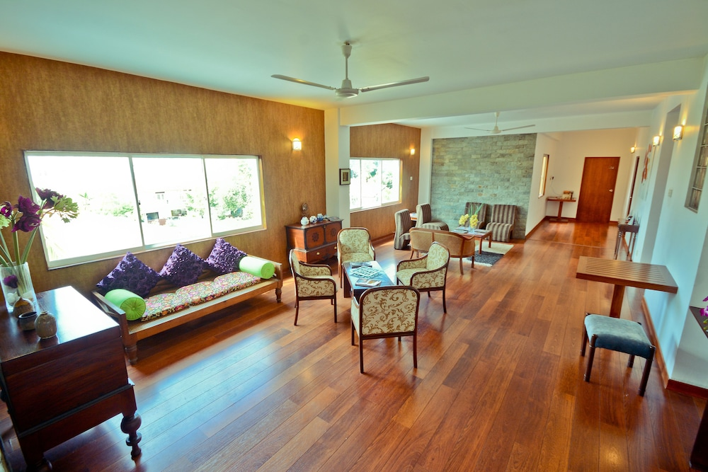 Monsoon Suites