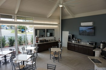 The Smart Stay Inn - Interior Entrance  - #0