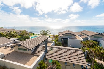 Wave Crest Resort