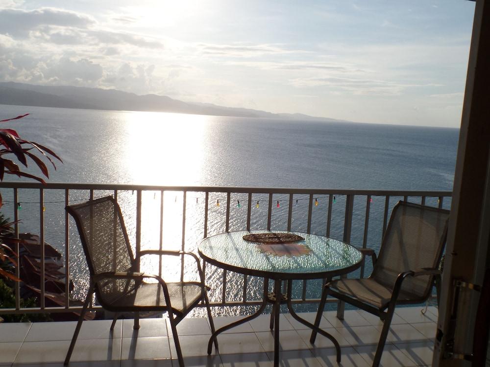 Coral Reef Beach Suite At Montego Bay Club Resort