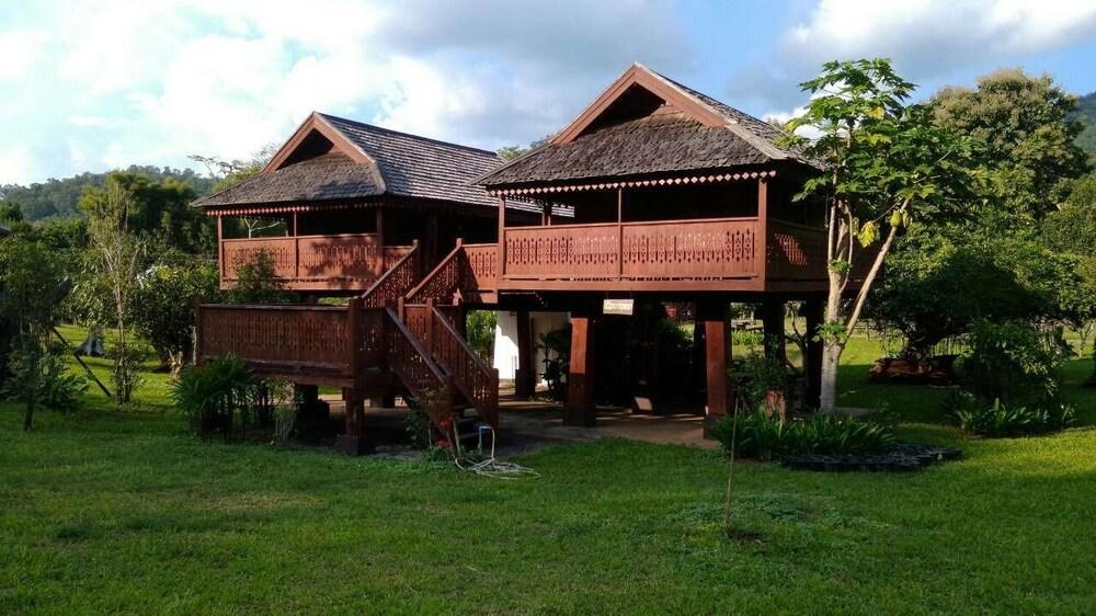 Baan Lhong Doi Resort