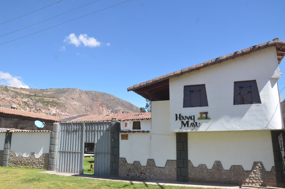 Hanaq Mayu Hotel
