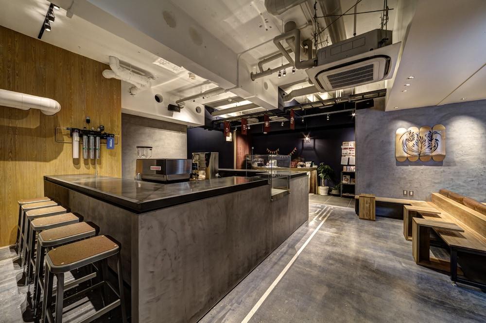GRIDS TOKYO NIHOMBASHI EAST HOTEL&HOSTEL