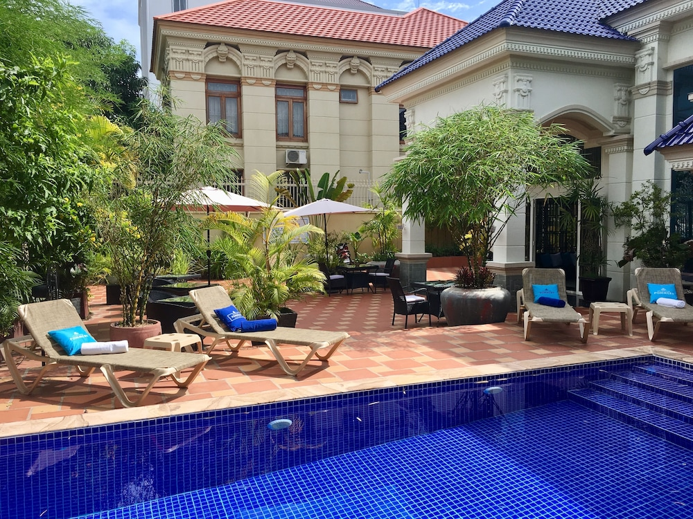Le D'Artagnan Luxury Villa Resort