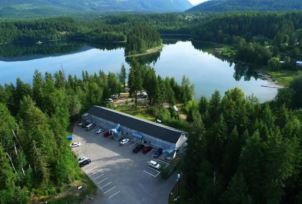 Dutch Lake Motel