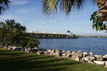 Palm Beach Waterfront Suites