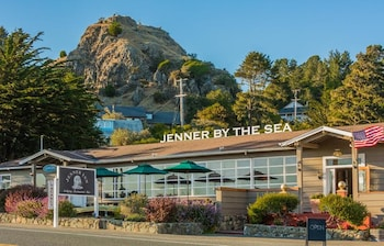Business Hotels near Goat Rock Beach in Jenner from $199/night