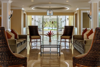 Lighthouse Pointe at Grand Lucayan – All-Inclusive - Interior Entrance  - #0