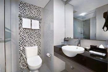 Hotel NEO Malioboro - Bathroom  - #0