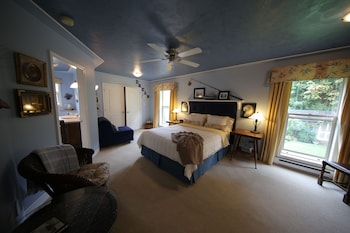 Photo for Willow Guest House A Bed and Breakfast in Courtenay, British Columbia