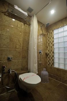 Signature Crest Chandavali - Bathroom  - #0