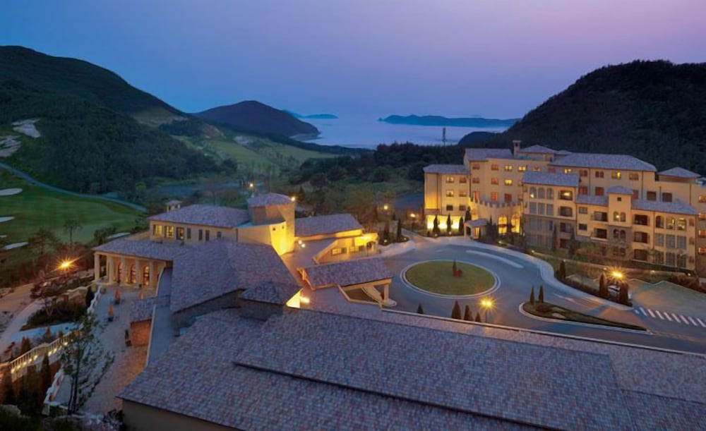 Golden Bay Golf & Resort