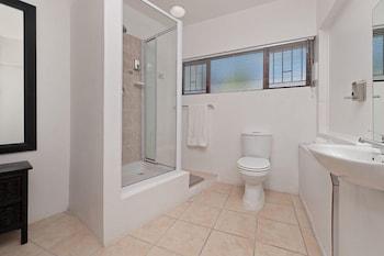 TwentyFour 17 Inn - Bathroom  - #0