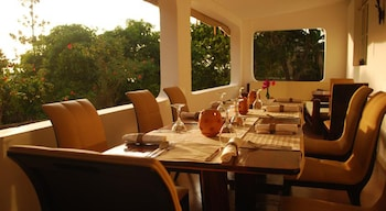 Karibu Guesthouse - Restaurant  - #0