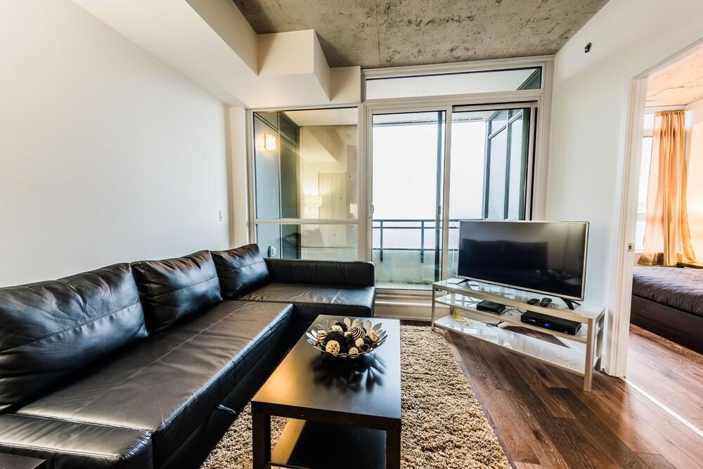 Gladstone Suites - Toronto Central