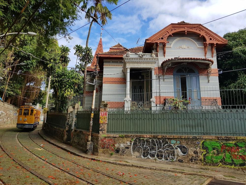 Alto Lapa House