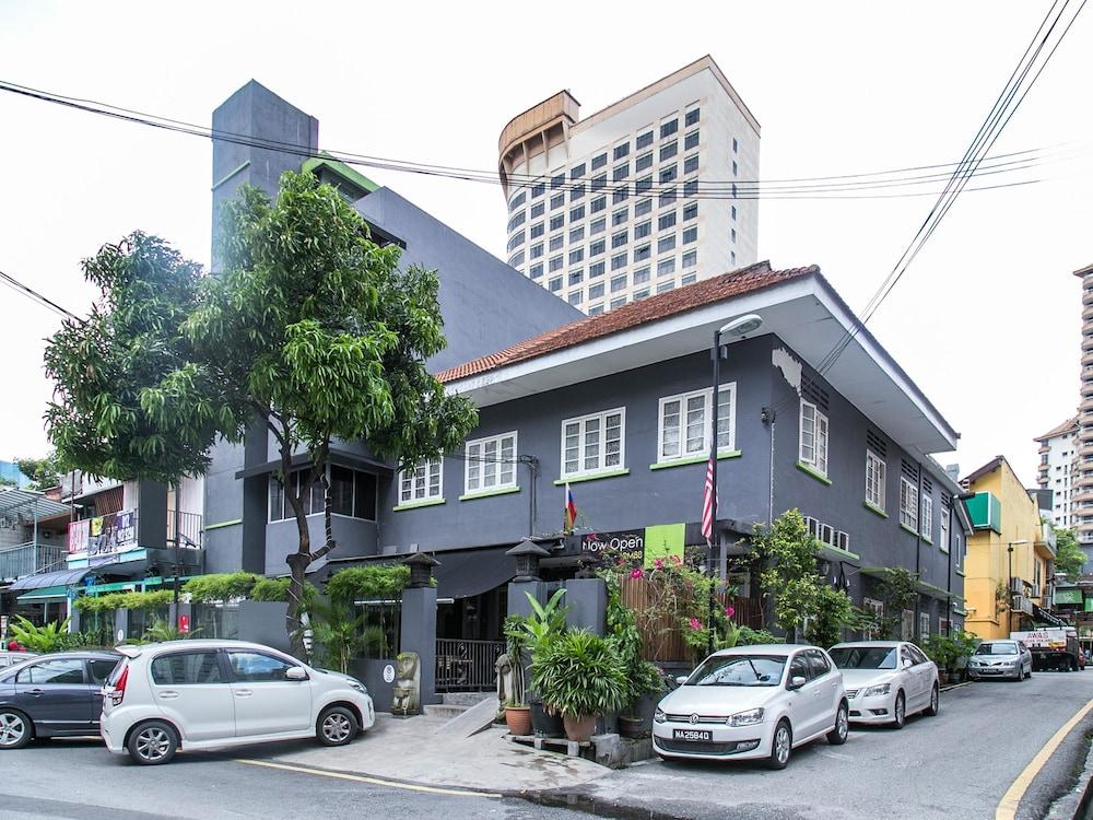 OYO 101 V'la Heritage Hotel
