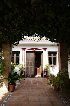 Cortijo Carrillo Bed & Breakfast