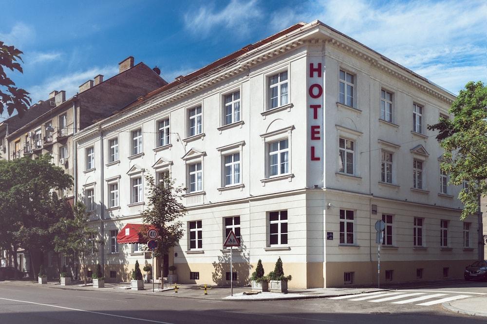 Hotel Theater Belgrade