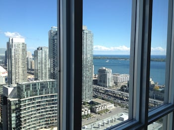 TVHR - Luxury Condos in Heart of Downtown (Canada 565979 undefined) photo