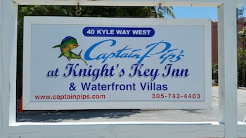 Captain Pip's at Knight's Key Inn
