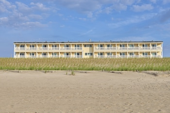 Drifting Sands Oceanfront Hotel (423703232) photo